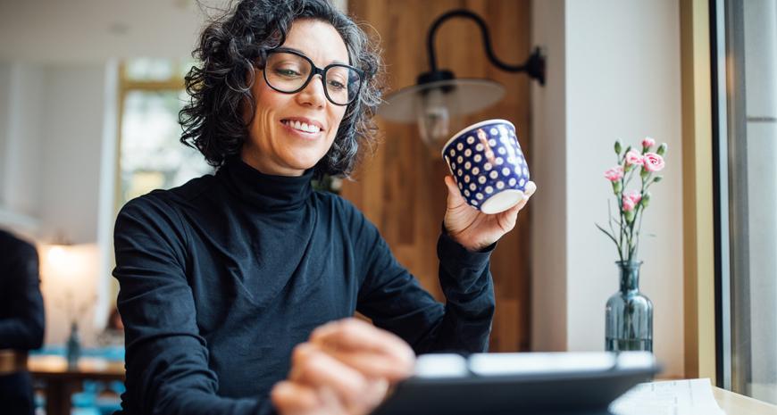 woman-with-washington-national-insurance-perks